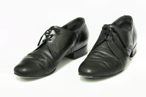 1200px-Mens'_ballroom_shoes,_Eurodance_CZ